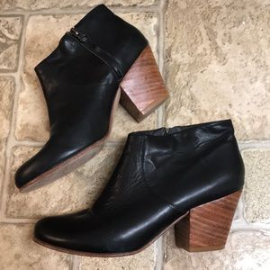 Anthro Fortress of Inca Adriana Coco booties